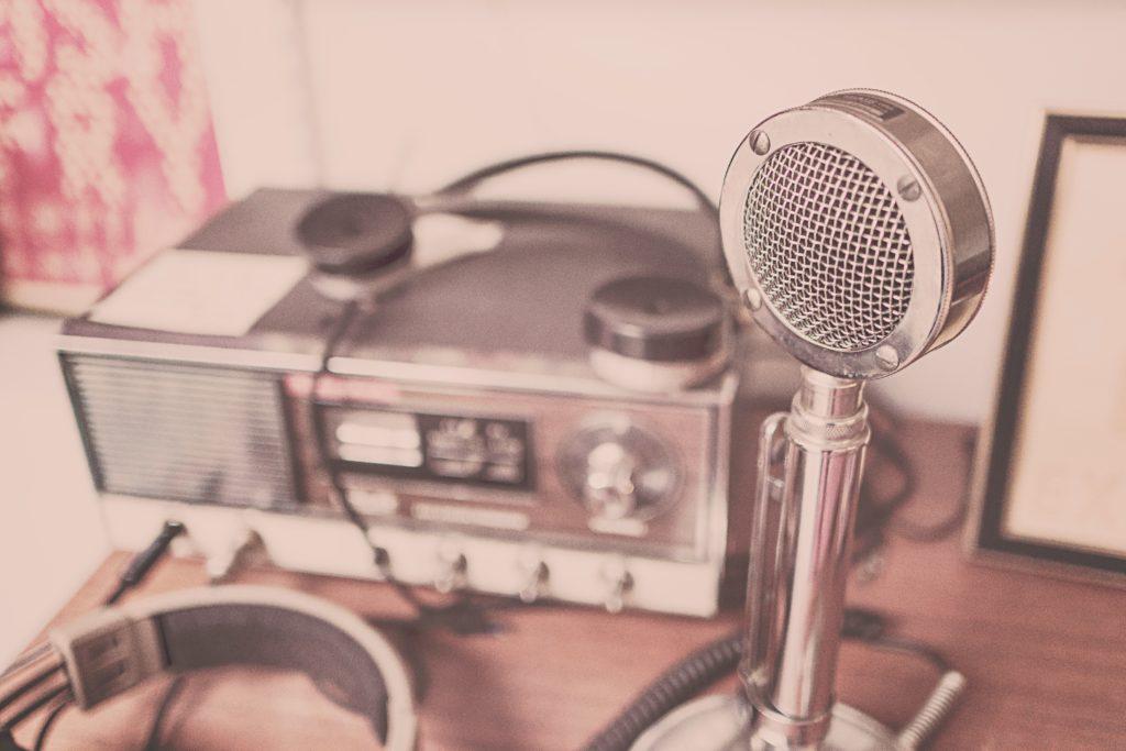 Mikrofon ja raadio